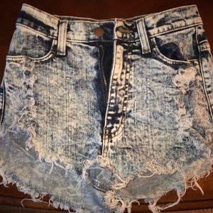 Acid Wash High-Waisted Denim Shorts